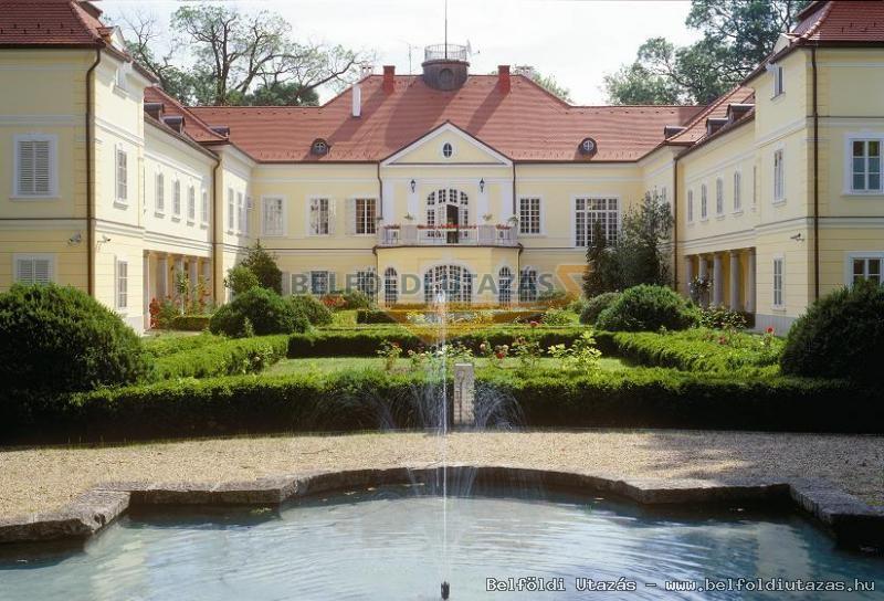 Romantik Hotel Szidónia Kastély (1)