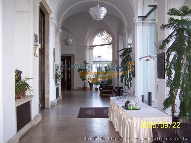 Savoyai Schlosshotel*** (6)
