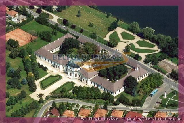 Savoyai Schlosshotel*** (11)