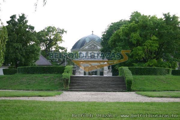 Savoyai Schlosshotel*** (1)