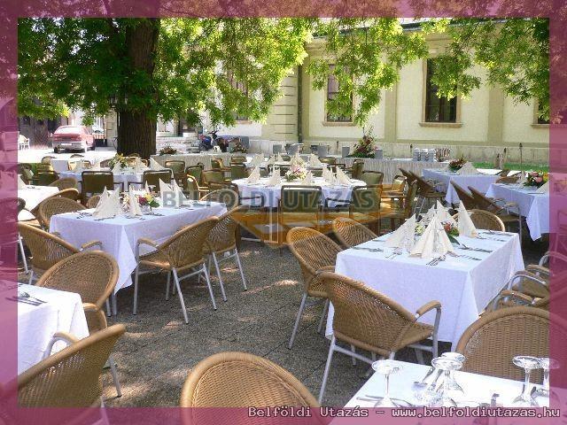 Savoyai Schlosshotel*** (3)
