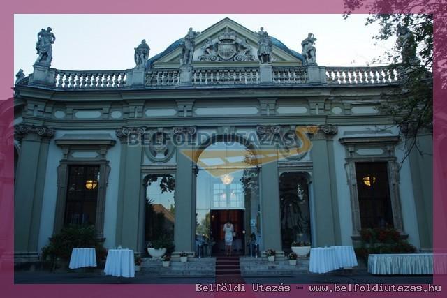 Savoyai Schlosshotel*** (9)