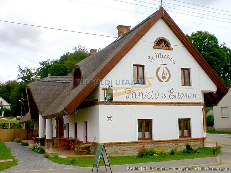 St. Michael Panzió és étterem - Lovaspark (1)