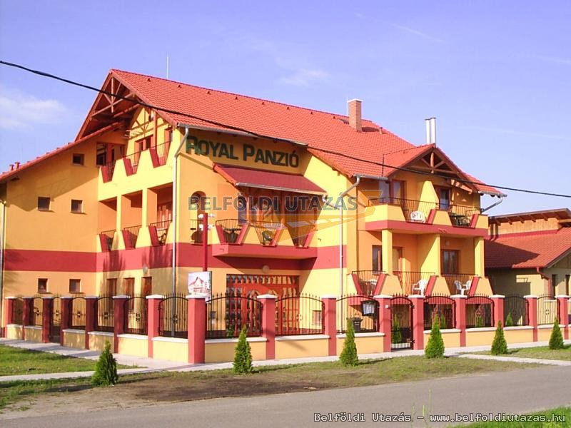 Royal Panzió (1)