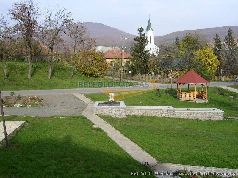 Zöldkapus Falusi Szálláshely (2)