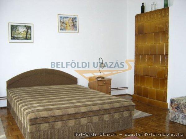 Flóra Apartman (2)