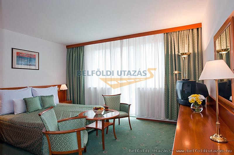 Hotel Palace **** (4)