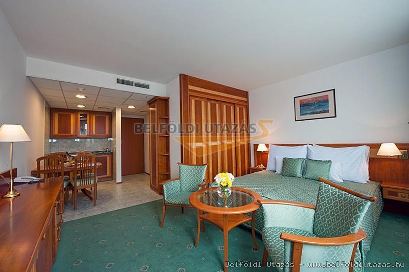 Hotel Palace **** (5)