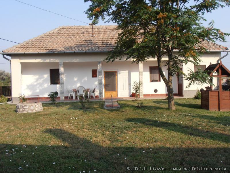 Anno 2012 Vendégház (3)