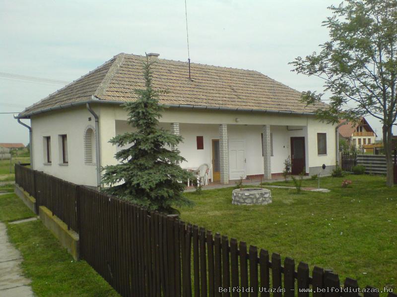Anno 2012 Vendégház (1)